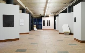 Left: S. Straßmann | [o.t./ black table] | 2010-2016 Left/mid: C. Dupaquier | Strich series | 2015 Back/left: A. Tono | PRW13 | 2016 Back/right: K. Ganser | Gyro Scan Series | 2014 Right: A. Tono | PRW14 | 2016