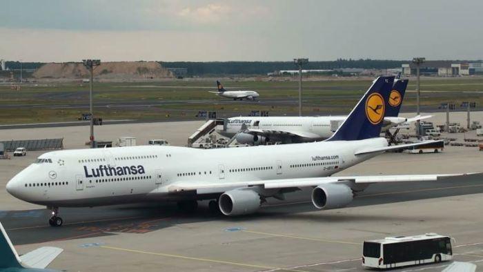 Boeing 747- 8