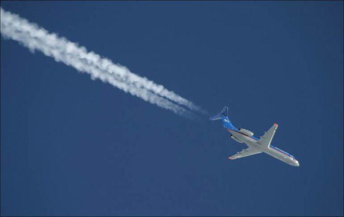 На какой высоте обычно летают пассажирские самолеты и почему
