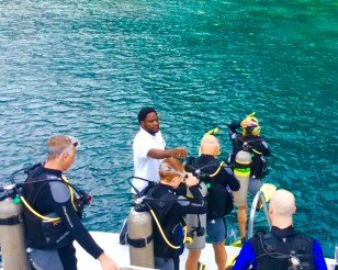 Paulette, John, Ryan & Randy stepping in, Turtle Cay dive, St. Lucia