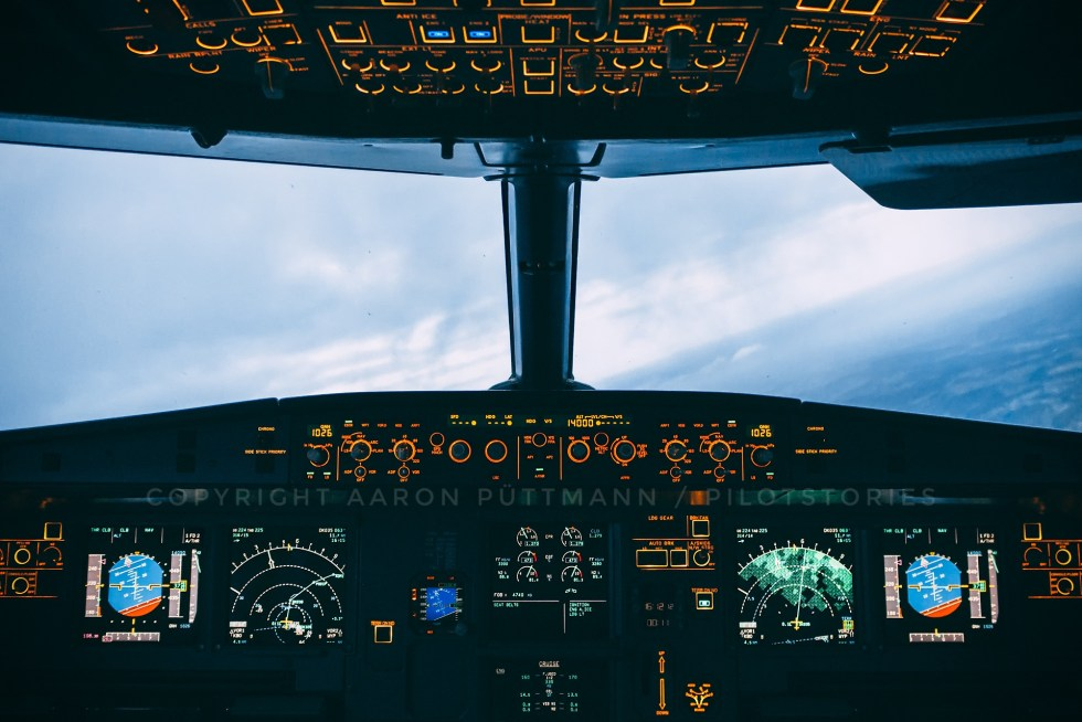 Sunset cockpit wallpaper Airbus A320