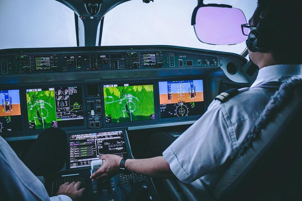 Landing CS300 MXP ILS Approach