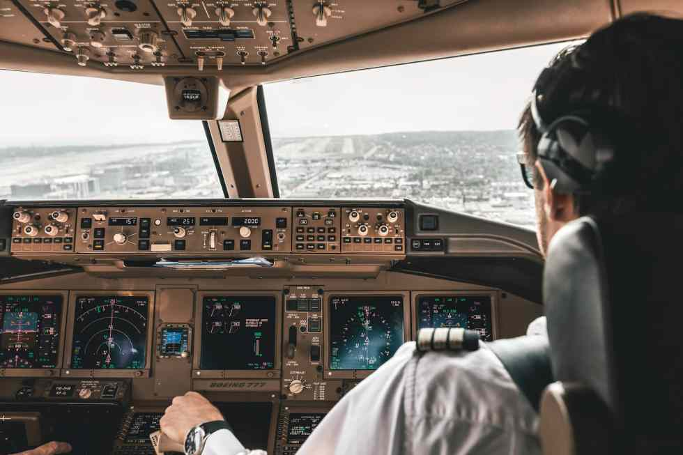 LAX final approach