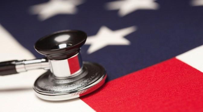 Juez de EUA rehúsa bloquear orden ejecutiva de Trump contra el Obamacare