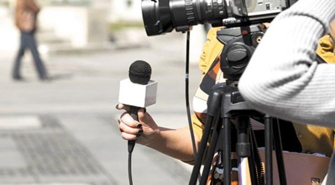 Propone garantizar derechos laborales de los periodistas