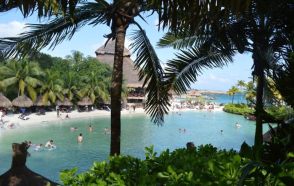 Mayor promoción en el mundo y relaciones públicas para evitar daños al turismo, pide Fematur