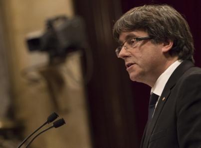 Analiza Puigdemont si regresa a Barcelona para reasumir gobierno