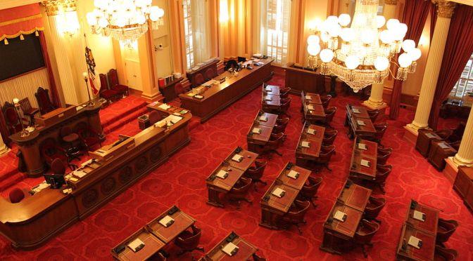 Senado de California aprueba proyecto contra reforma fiscal federal