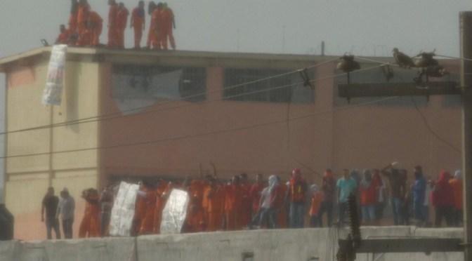 FOTOS: Protestan presos en penal de Topo Chico en NL