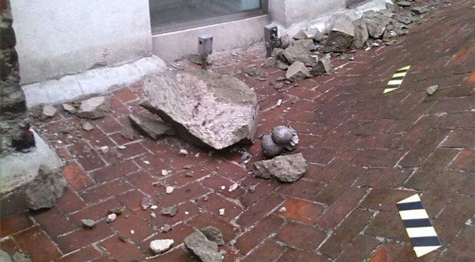 Rayo daña torre oriente de la Catedral Metropolitana; no hay lesionados