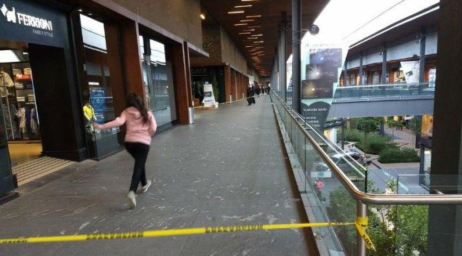 Balacera en centro comercial de Querétaro deja tres muertos