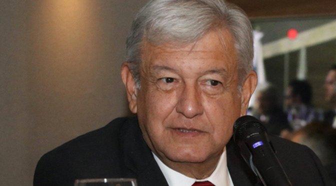 López Obrador alista amparos por contratos de nuevo aeropuerto