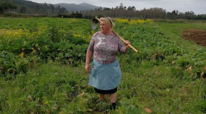 Mujer gallega enloquece las redes porque es idéntica a Trump