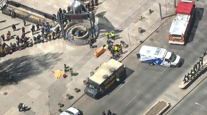 Aumenta a 9 los muertos, por atropellamiento de peatones en Toronto