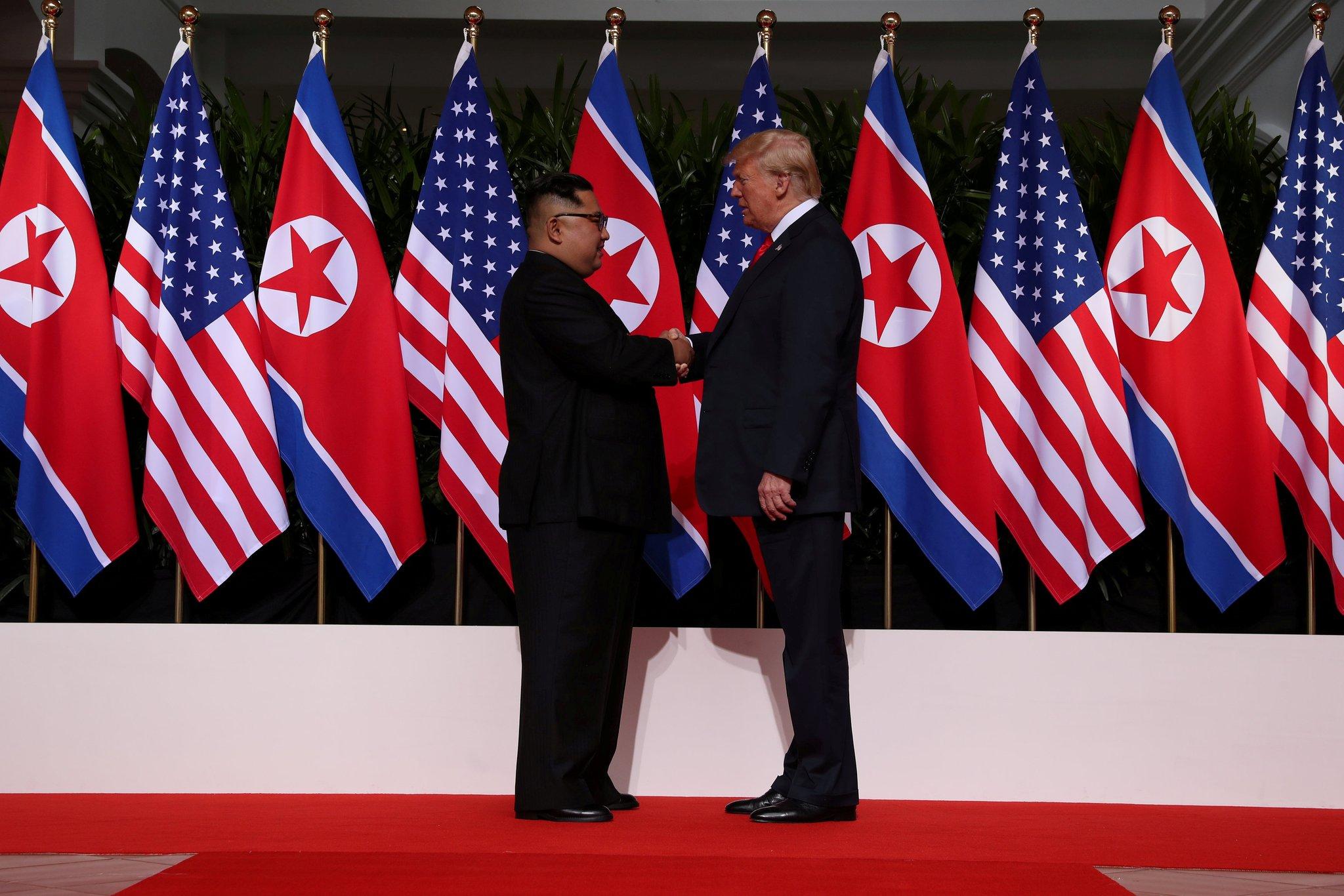 Kim y Trump sostienen almuerzo de trabajo tras primera ronda bilateral