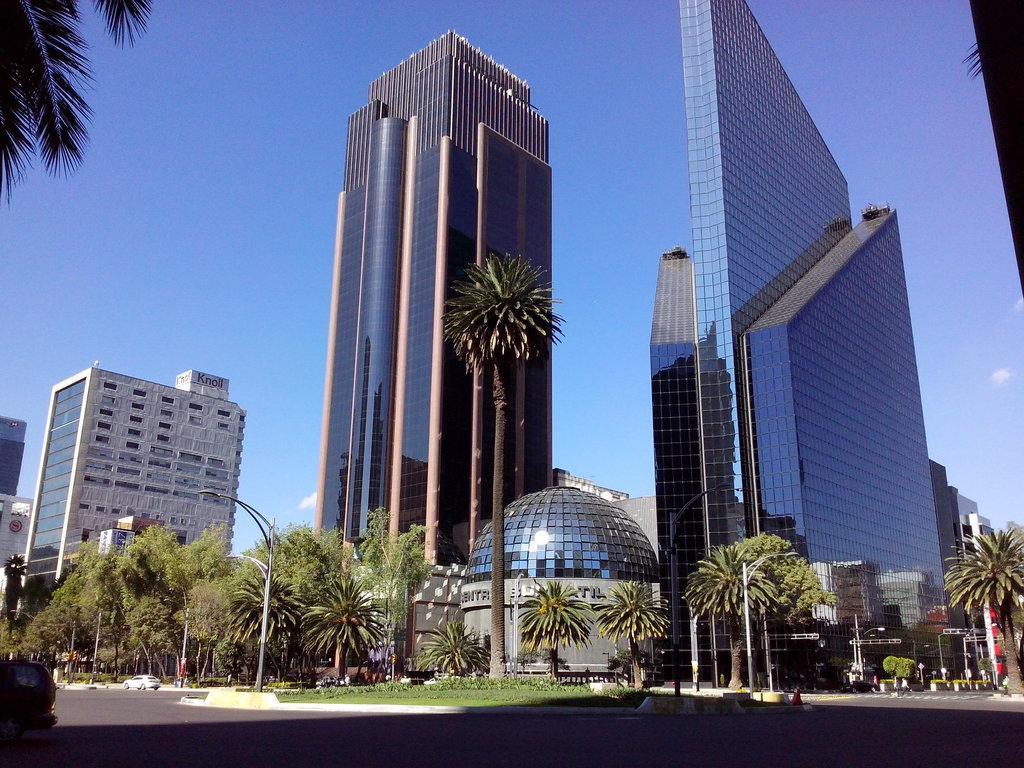 Bolsa Mexicana pierde 0.76 por ciento frente a desplomes en Wall Street