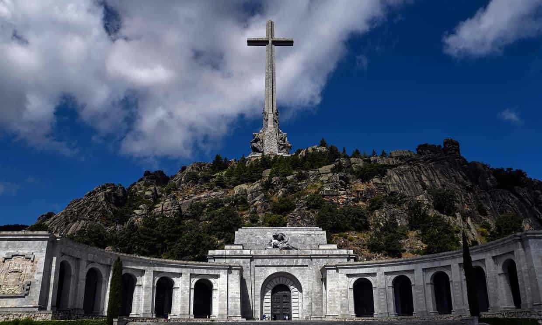 Aprueba Congreso español exhumación de restos de dictador Franco
