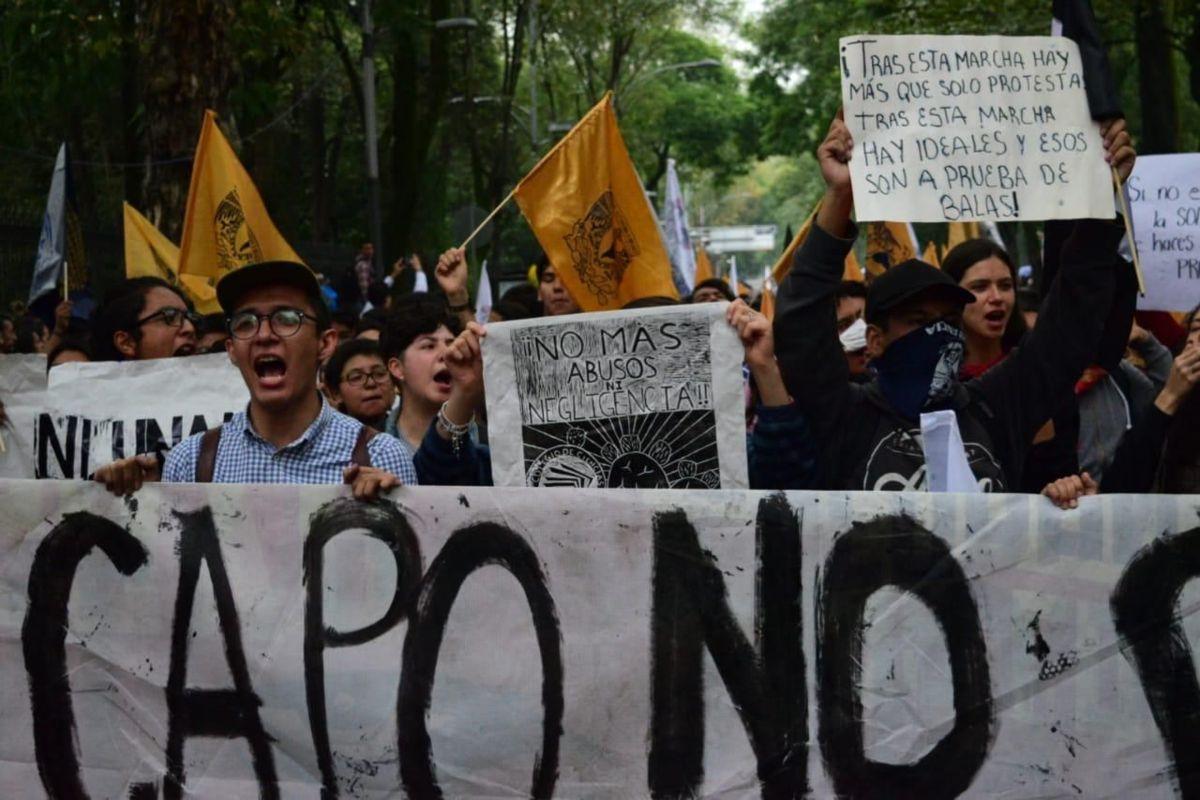 Inicia 'Marcha del Silencio' en contra de la violencia de grupos porriles
