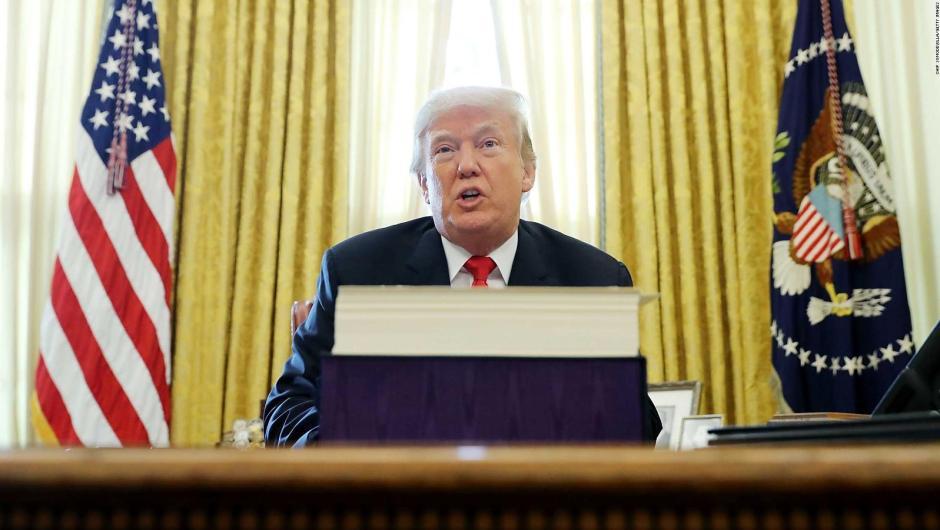 Por primera vez, Donald Trump recurre al veto para salvar su emergencia nacional