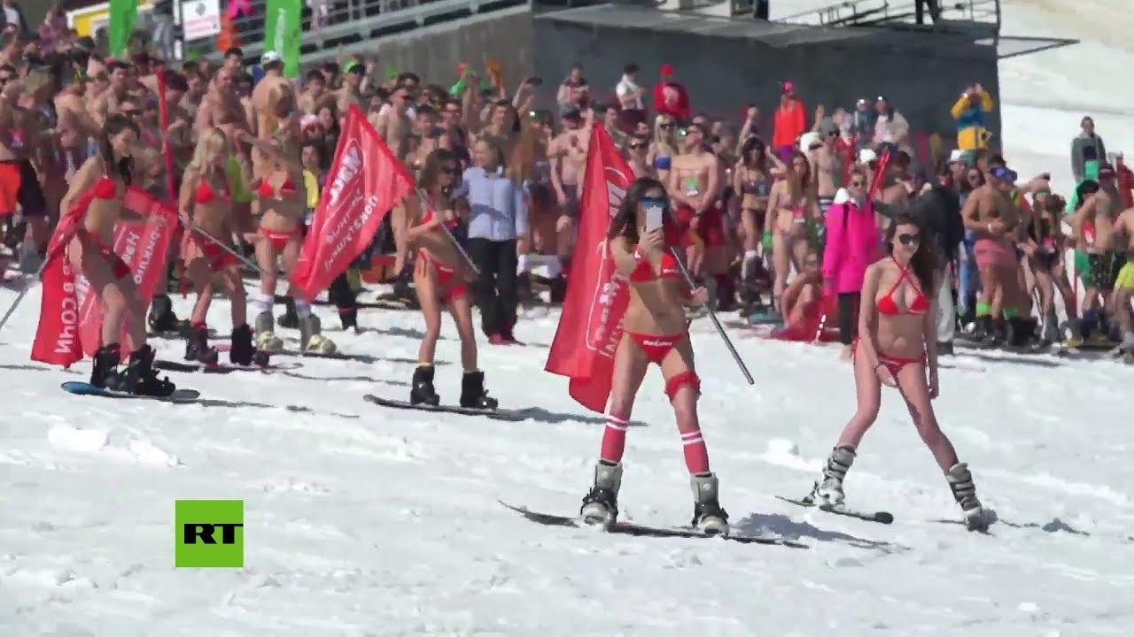 Más de 1.750 esquiadores en traje de baño rompieron un récord en Siberia