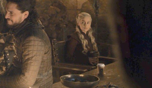 """El vaso de café que se coló en """"Game of Thrones"""""""