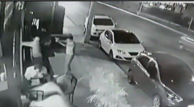 Detienen a tres por balacera en bar de Playa del Carmen