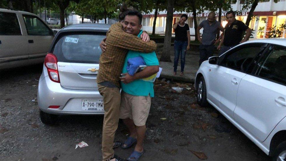 Liberan a Irineo Mujica y a Cristóbal Sánchez