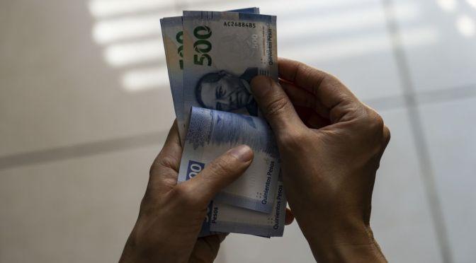 Peso aprovecha debilitamiento generalizado del dólar