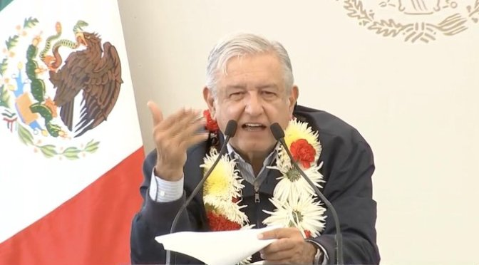 """""""Son la nada"""" moralmente quienes rechazan bajarse el sueldo: López Obrador"""
