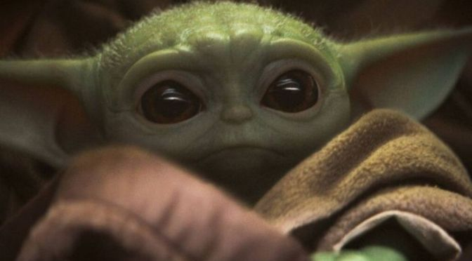 Ya puedes comprar juguetes de Baby Yoda, pero deberás esperar meses para recibirlos