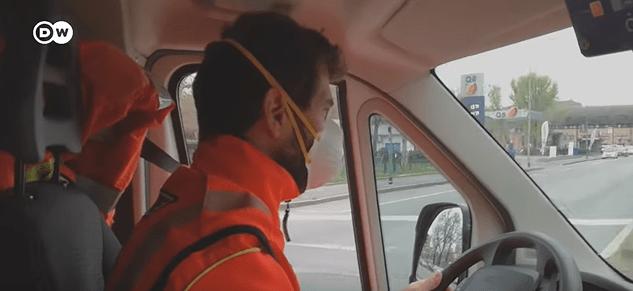 Adéntrate en la vida de un conductor de ambulancia Italiano y cómo arriesga su vida para salvar la de los demás