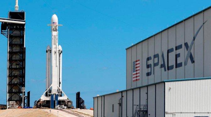 Sigue lanzamiento tripulado de SpaceX y la NASA