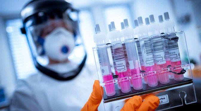AstraZeneca sabrá en septiembre si su vacuna contra covid-19 funciona