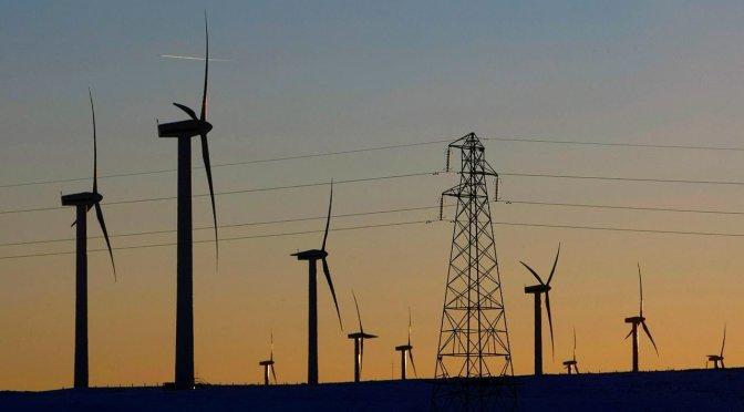 Suprema Corte ordena suspensión de la política de Sener que limita energías renovables
