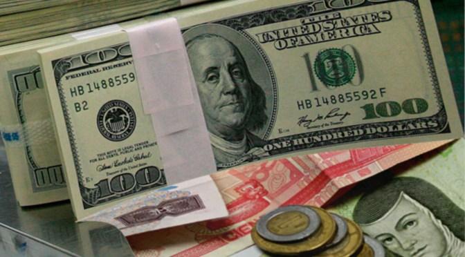 Peso respira: Dólar cae un ligero 0.61% en la barrera de los $22