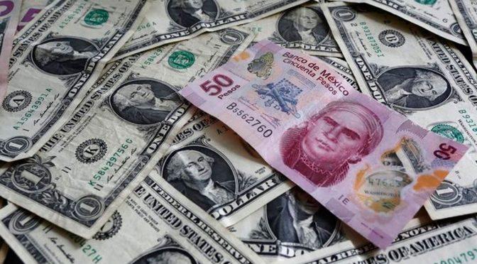 Peso ganador: Dólar se hunde un ligero 0.56% en la barrera de los $22