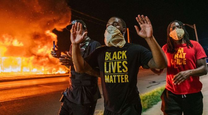 Protestas contra el racismo en Wisconsin dejan 2 muertos