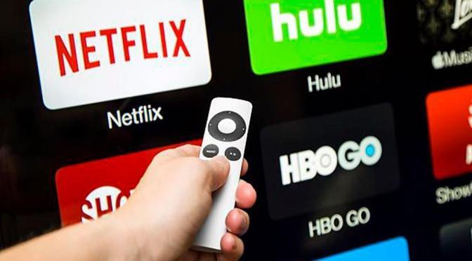 ¿El SAT pone en riesgo la digitalización del país si bloquea aplicaciones como Netflix o Spotify?