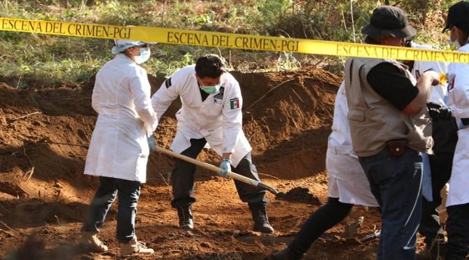 Hallan 8 fosas clandestinas en Irapuato