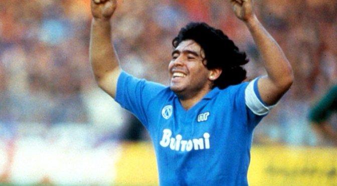 Desde la mano de Dios hasta el gol del siglo, quién fue el polémico Diego Maradona