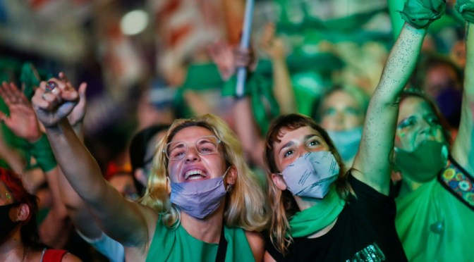 Argentina legaliza el aborto tras voto del Senado