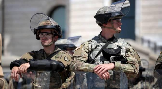 Serán mas de 20 mil soldados los que cuidarán la investidura de Biden