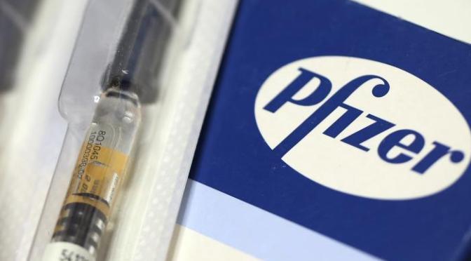 Pfizer reducirá las entregas de vacunas a Europa