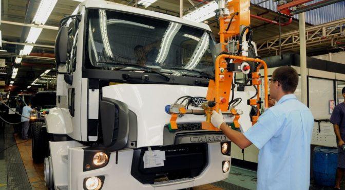 Ford cerrará plantas de operaciones en Brasil