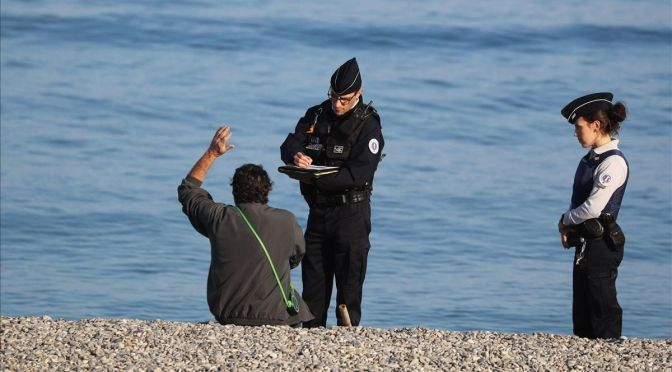 Niza pide a los turistas que se mantengan alejados en medio del aumento de COVID