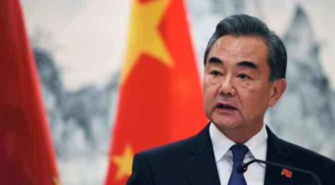 China pide a EU retirar restricciones y frenar injerencia