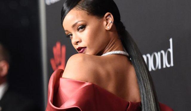 Rihanna enfurece a gobierno de la India con un tuit