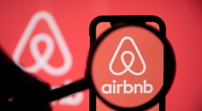 Airbnb perdió 4,585 millones en 2020
