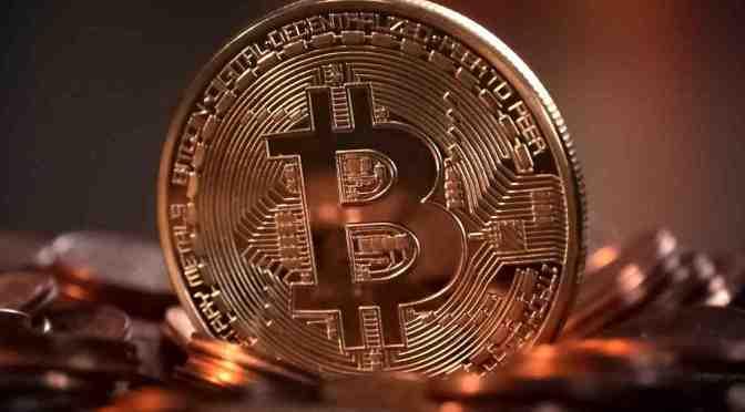Bitcoin se acerca a los 50,000 dólares