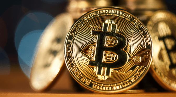 Bitcoin supera los 56,000 dólares